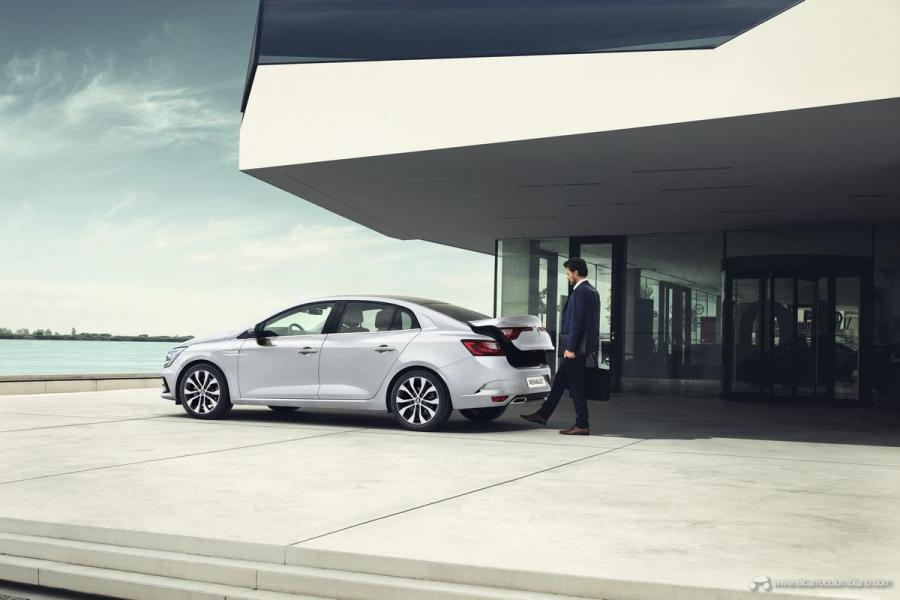 3-2020-New-Renault-MEGANE-SEDAN
