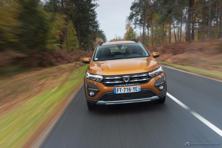 10-2020-New-Dacia-SANDERO-STEPWAY-tests-drive