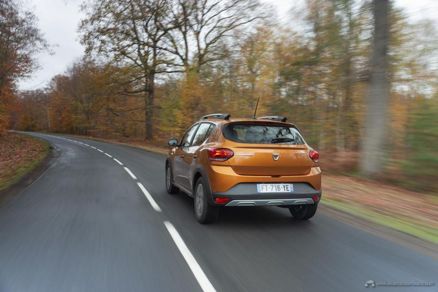 11-2020-New-Dacia-SANDERO-STEPWAY-tests-drive