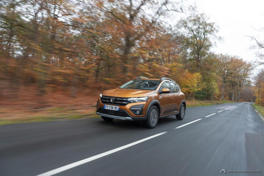 2-2020-New-Dacia-SANDERO-STEPWAY-tests-drive