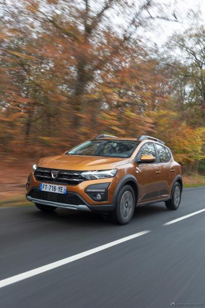 6-2020-New-Dacia-SANDERO-STEPWAY-tests-drive
