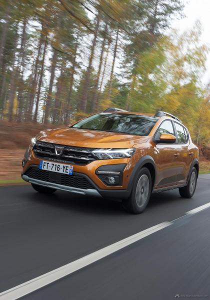 7-2020-New-Dacia-SANDERO-STEPWAY-tests-drive