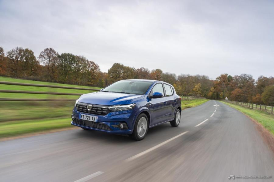 1-2020-New-Dacia-SANDERO-tests-drive