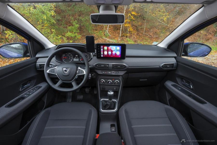 13-2020-New-Dacia-SANDERO-tests-drive