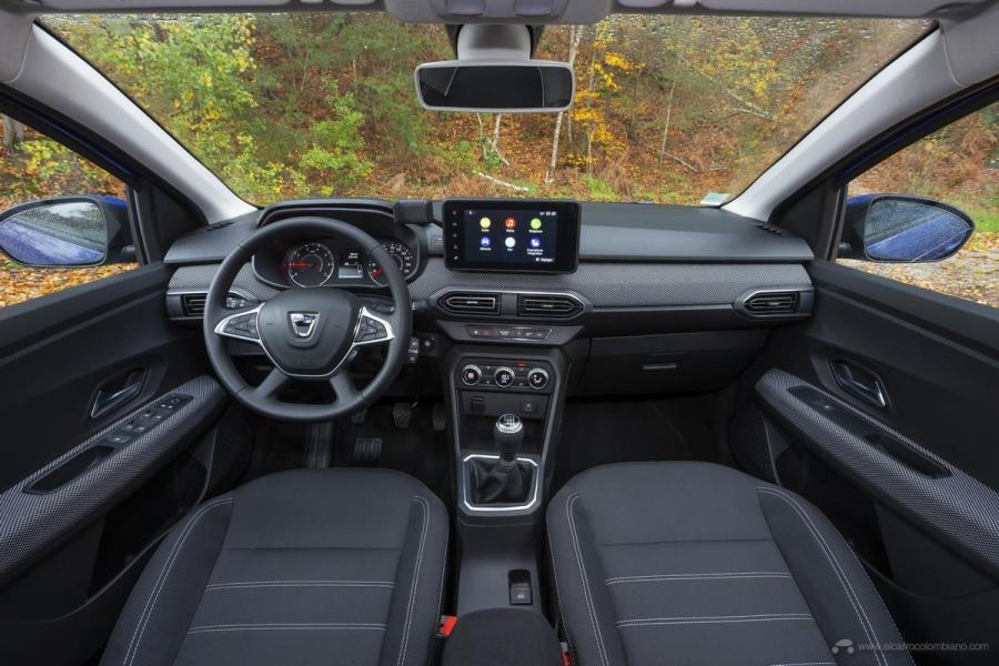 14-2020-New-Dacia-SANDERO-tests-drive