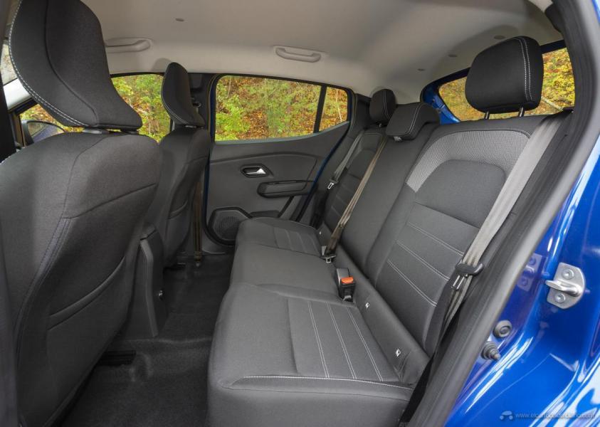 16-2020-New-Dacia-SANDERO-tests-drive
