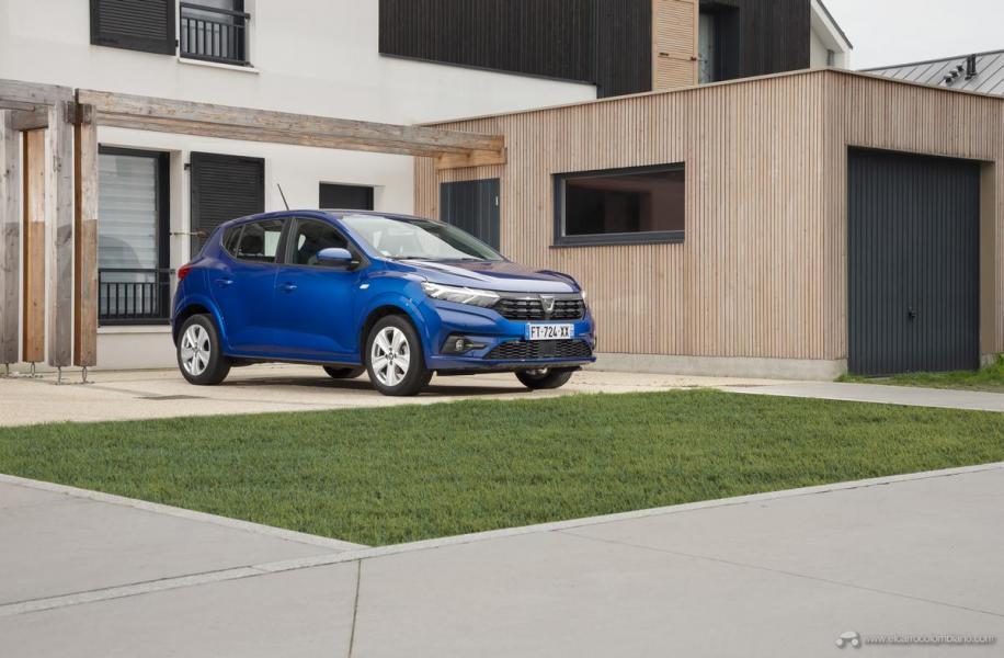 19-2020-New-Dacia-SANDERO-tests-drive