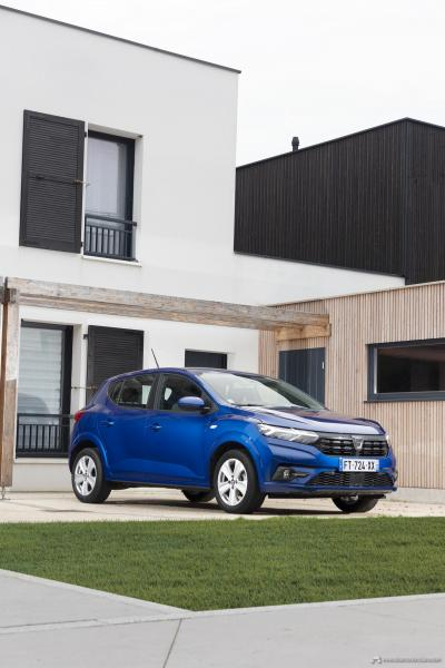 21-2020-New-Dacia-SANDERO-tests-drive