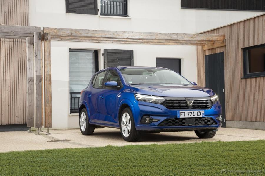 23-2020-New-Dacia-SANDERO-tests-drive