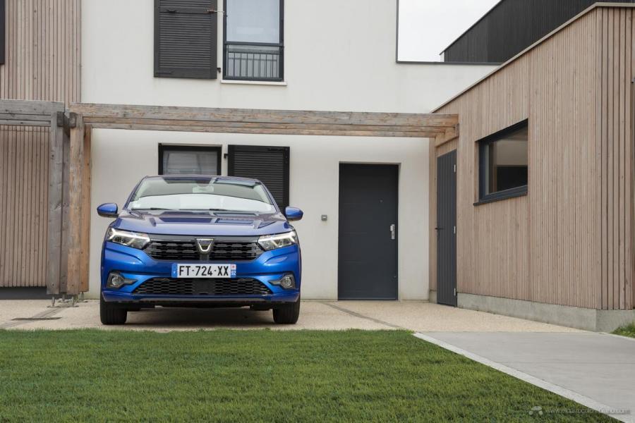 26-2020-New-Dacia-SANDERO-tests-drive