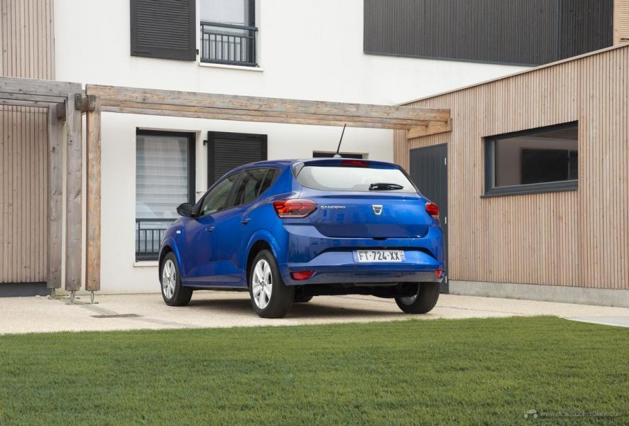 29-2020-New-Dacia-SANDERO-tests-drive