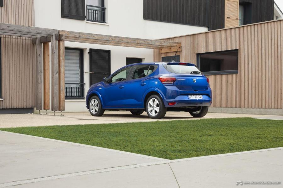 30-2020-New-Dacia-SANDERO-tests-drive