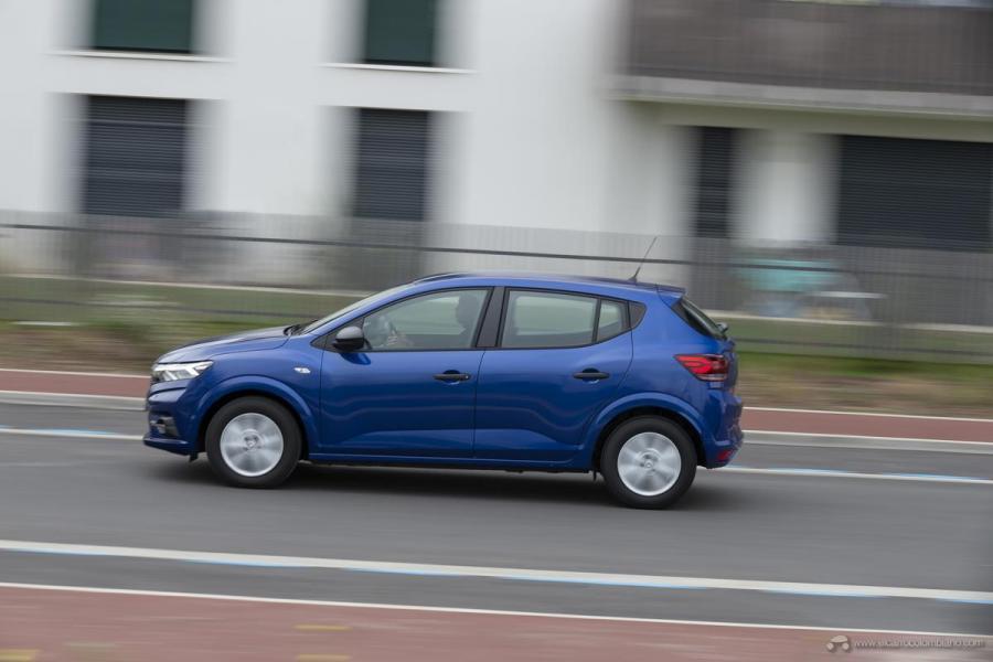 37-2020-New-Dacia-SANDERO-tests-drive