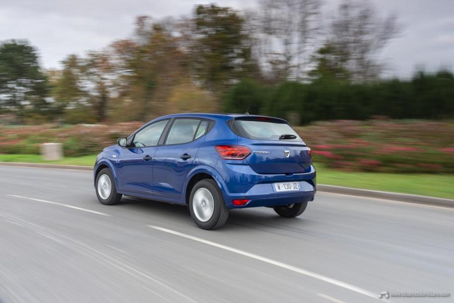 42-2020-New-Dacia-SANDERO-tests-drive