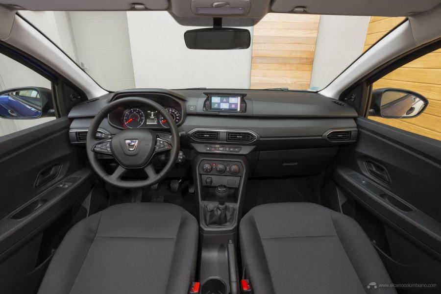 44-2020-New-Dacia-SANDERO-tests-drive