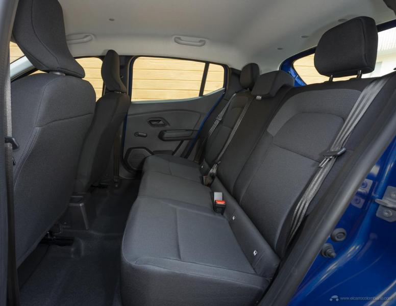 47-2020-New-Dacia-SANDERO-tests-drive