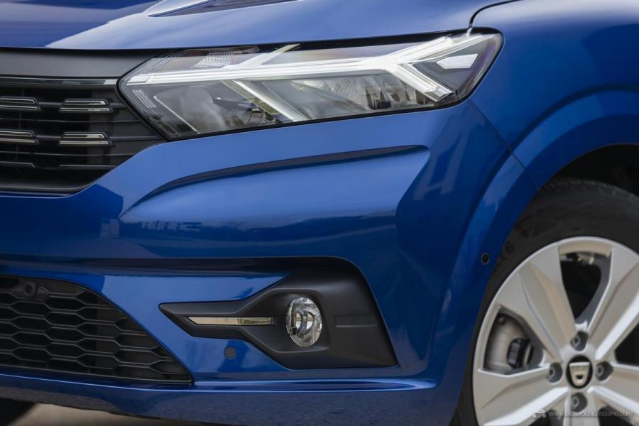 53-2020-New-Dacia-SANDERO-tests-drive