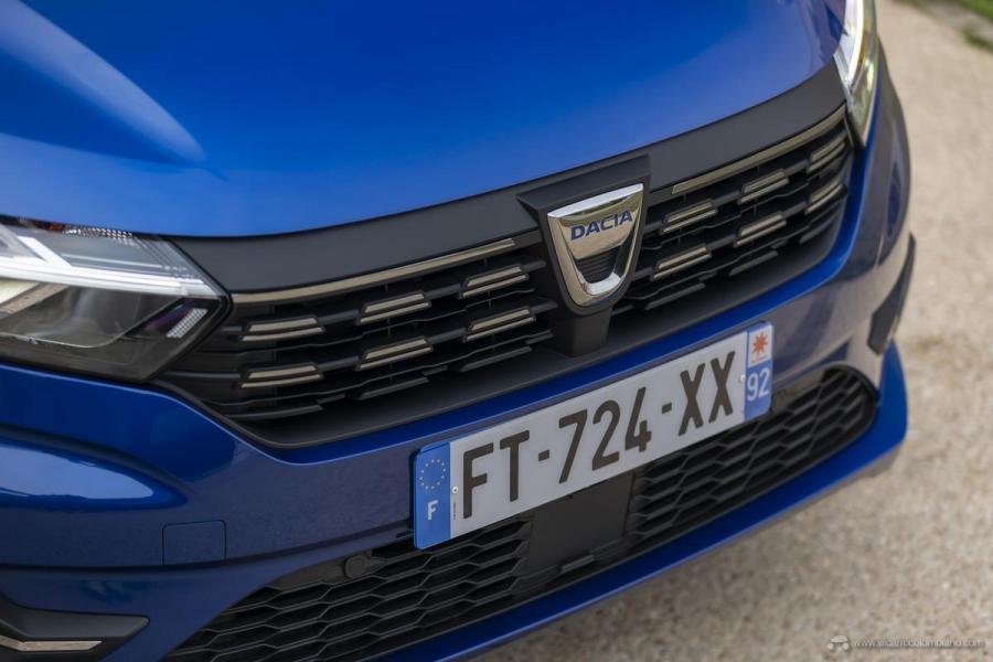 56-2020-New-Dacia-SANDERO-tests-drive