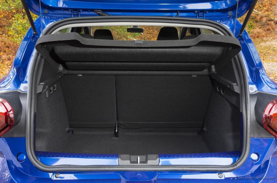 58-2020-New-Dacia-SANDERO-tests-drive