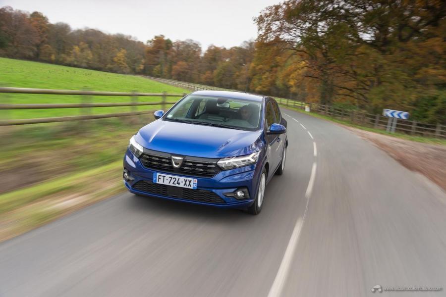7-2020-New-Dacia-SANDERO-tests-drive