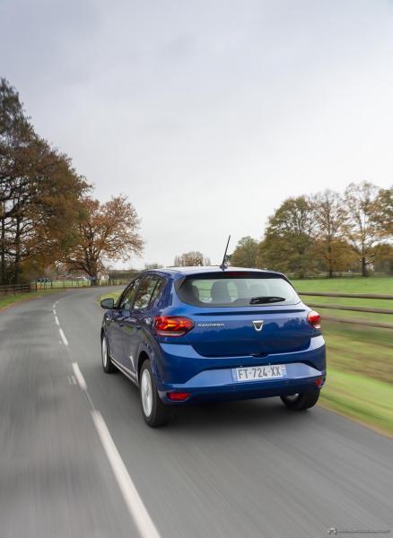 8-2020-New-Dacia-SANDERO-tests-drive
