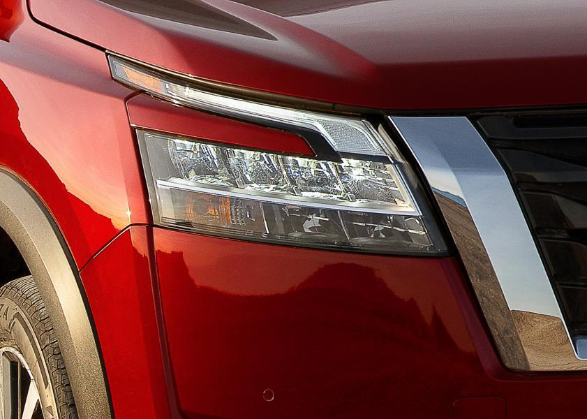 2022-Nissan-Pathfinder-06