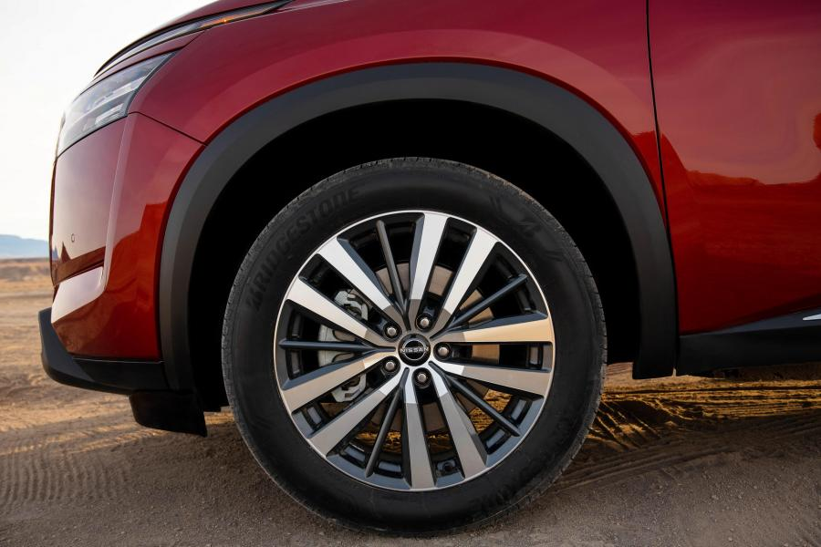 2022-Nissan-Pathfinder-07