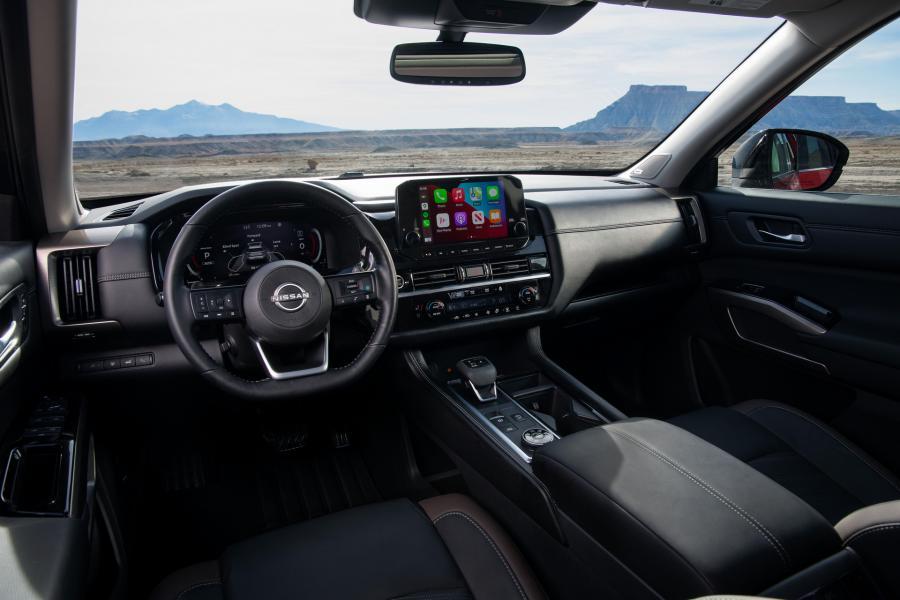2022-Nissan-Pathfinder-15