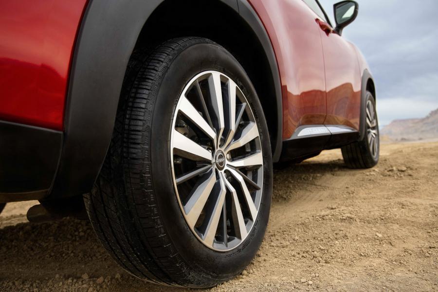 2022-Nissan-Pathfinder-20