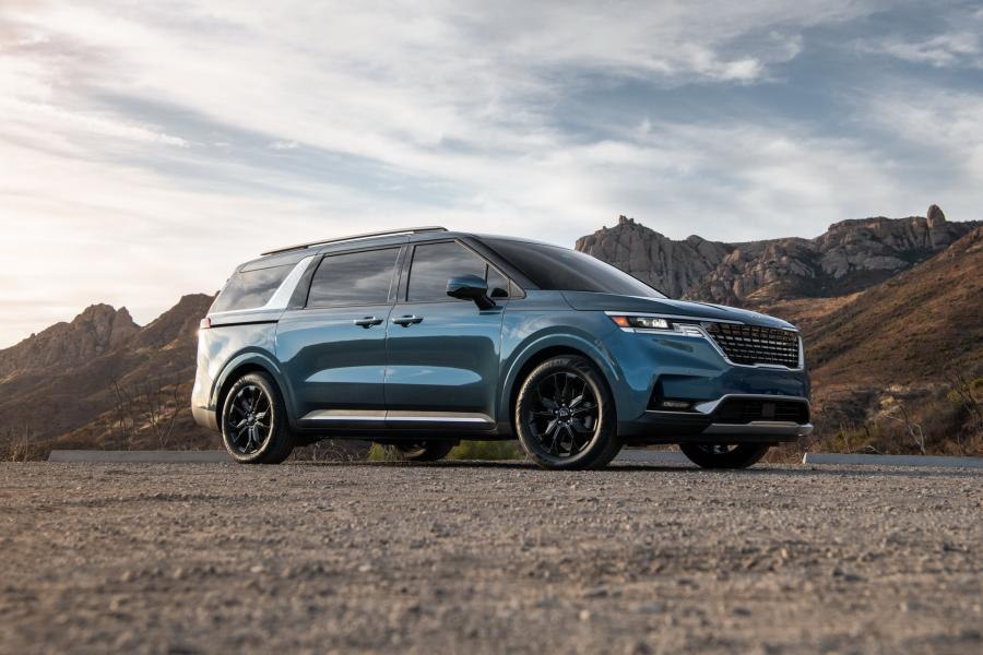 2022-Kia-Carnival-Minivan-1