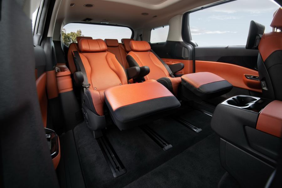 2022-Kia-Carnival-Minivan-8