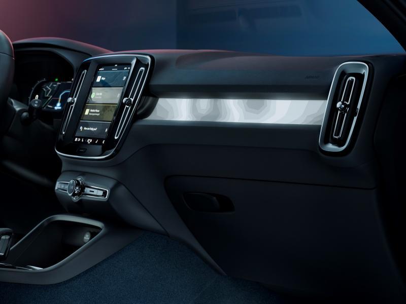 Volvo-C40-Recharge-11
