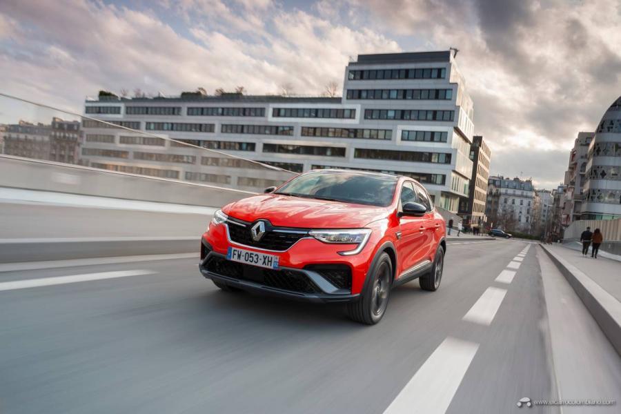1-2021-Renault-ARKANA-Tests-drive-Valencia-Orange