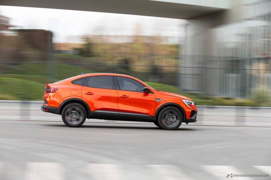 16-2021-Renault-ARKANA-Tests-drive-Valencia-Orange
