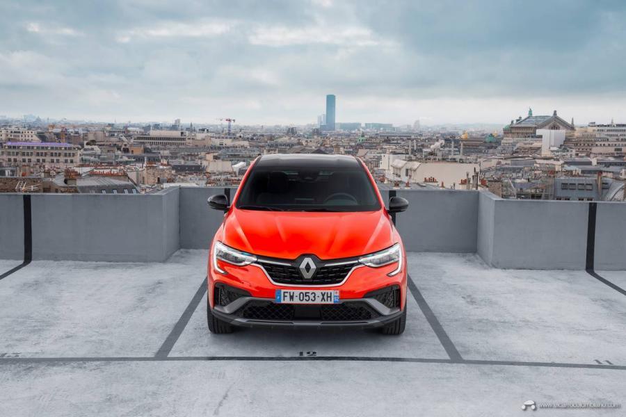 34-2021-Renault-ARKANA-Tests-drive-Valencia-Orange
