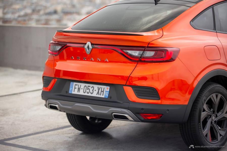 44-2021-Renault-ARKANA-Tests-drive-Valencia-Orange