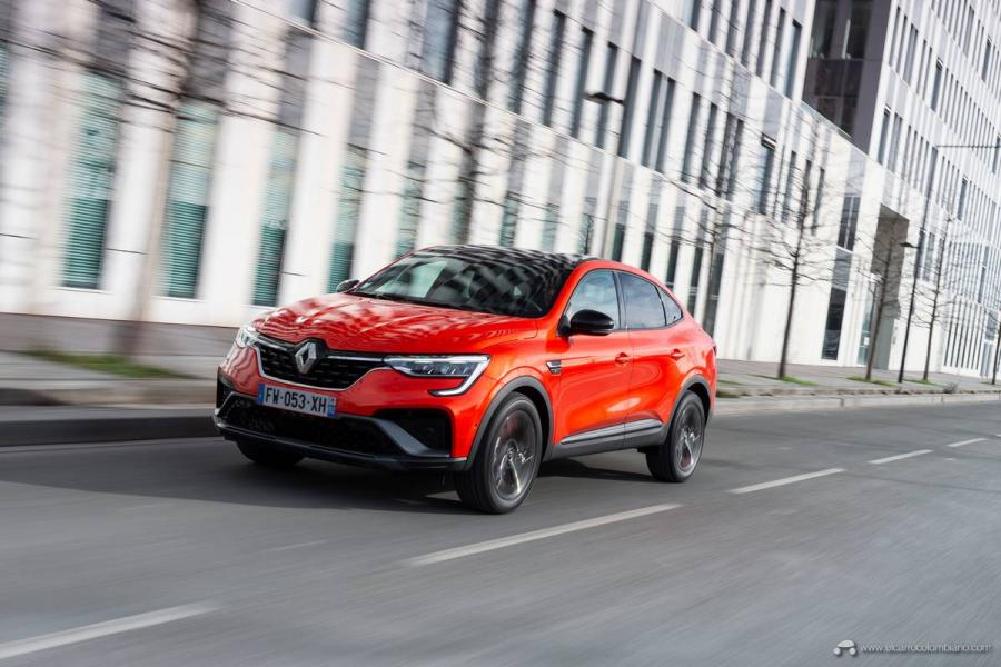 5-2021-Renault-ARKANA-Tests-drive-Valencia-Orange