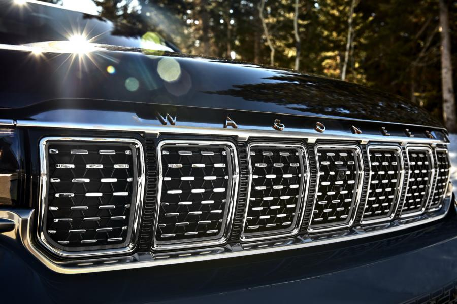 2022-Jeep-Grand-Wagoneer-16