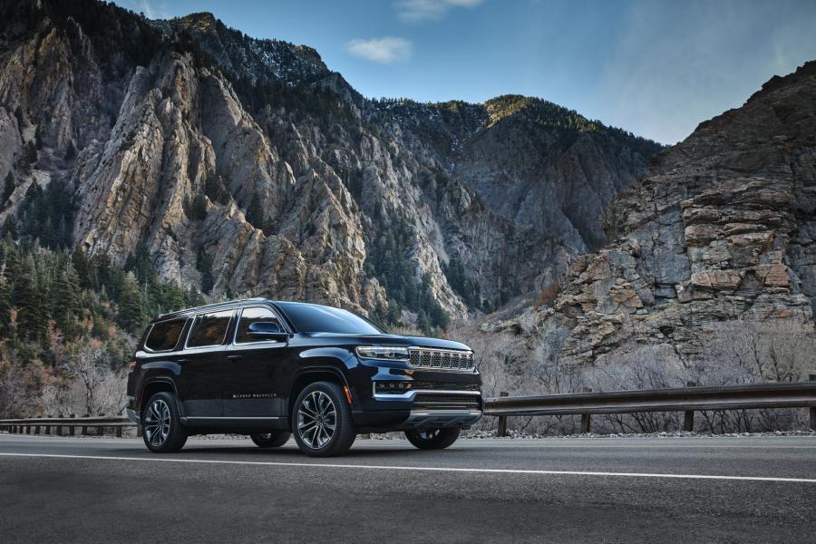 2022-Jeep-Grand-Wagoneer-2