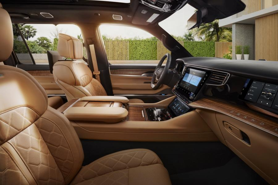 2022-Jeep-Grand-Wagoneer-21