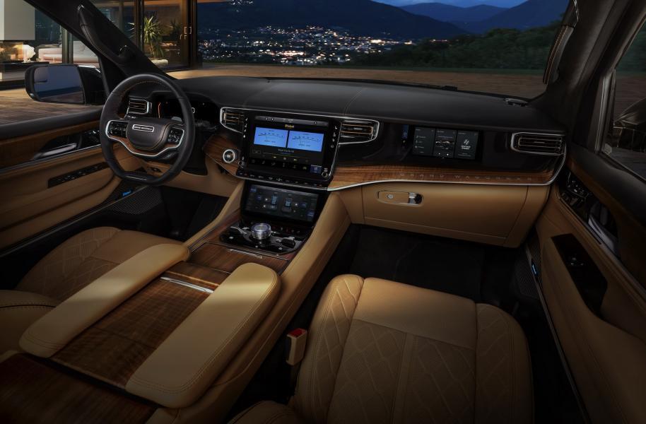 2022-Jeep-Grand-Wagoneer-23
