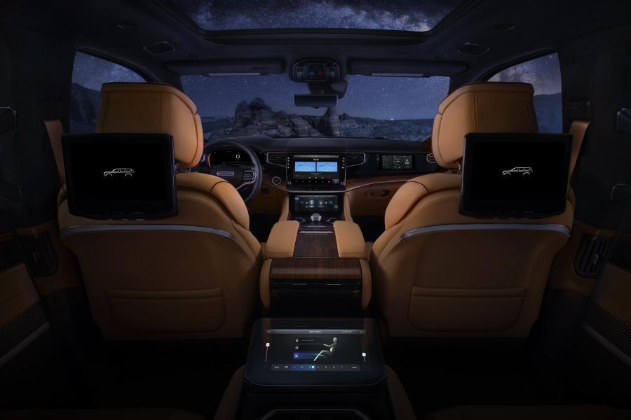 2022-Jeep-Grand-Wagoneer-24