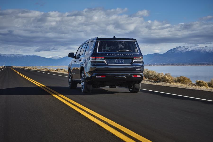 2022-Jeep-Grand-Wagoneer-7