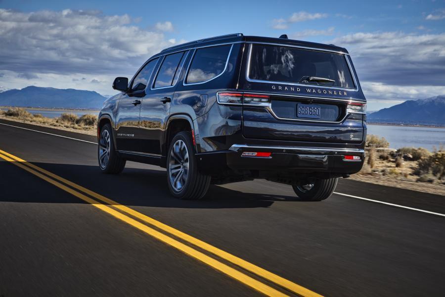 2022-Jeep-Grand-Wagoneer-8