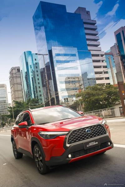 1.-Toyota-Corolla-Cross-Hybrid-2022