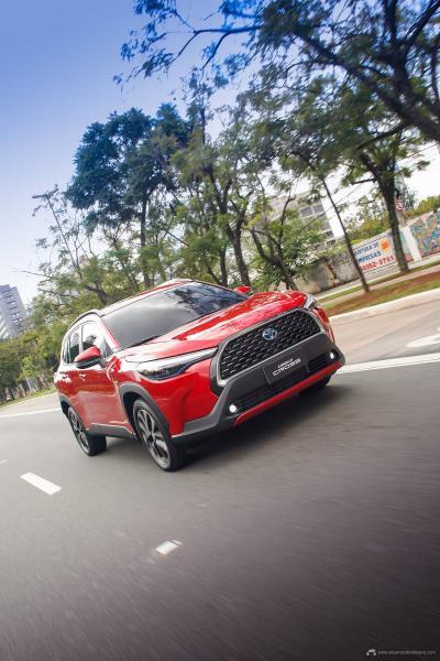 2.-Toyota-Corolla-Cross-Hybrid-2022