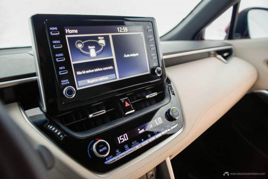 31.-Toyota-Corolla-Cross-Hybrid-2022