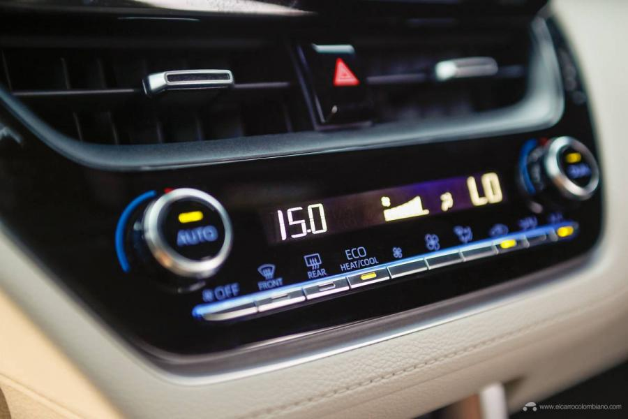 33.-Toyota-Corolla-Cross-Hybrid-2022