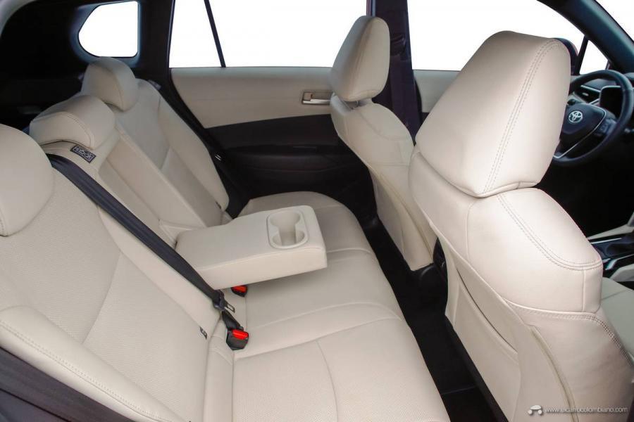 37.-Toyota-Corolla-Cross-Hybrid-2022