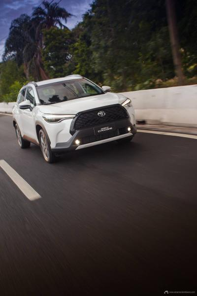 4.Toyota-Corolla-Cross-Flex-2022